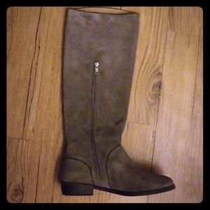 UGG tan boots size 8.5